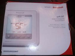 Honeywell TH6220U2000 - T6 Pro Programmable Thermostat FREE